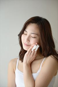 teateaふきとり化粧水を使用中