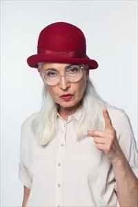 豊麗を愛用してる高齢女性
