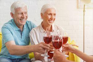 Bp300プラセンタを飲む老夫婦