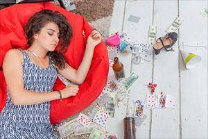 ノイスイノセンスクリアセラムでケア後に眠った女性