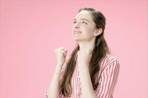 ビュートレ美顔器を愛用する女性